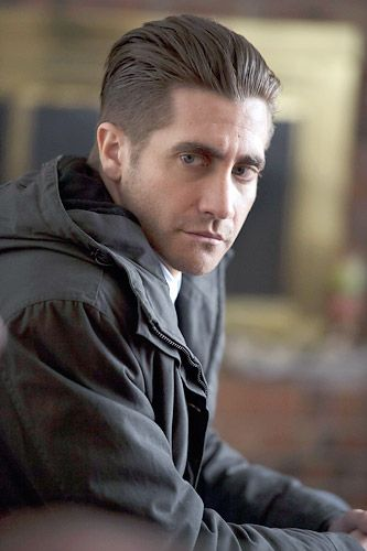 Jake Gyllenhaal in Prisoners: creepy cop turned sexy hero. Disclaimer: crush seems to be specifically linked to his character only. :p