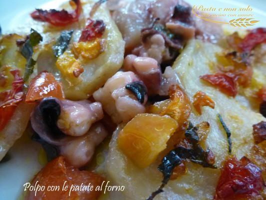 """una terrina gustosa dove verdure e mare si incontrano questa la proposta di Giovanna Bianco Polpo con le patate al forno by Giovanna Bianco dal blog """"Pasta e non solo""""  Questa ricetta appartiene al programma di affiliazione ai quali partecipano SOLO i blog approvati e certificati. http://www.lapulceeiltopo.it/forum/ricette-secondi-di-pesce/1483-polpo-con-le-patate-al-forno#2026"""