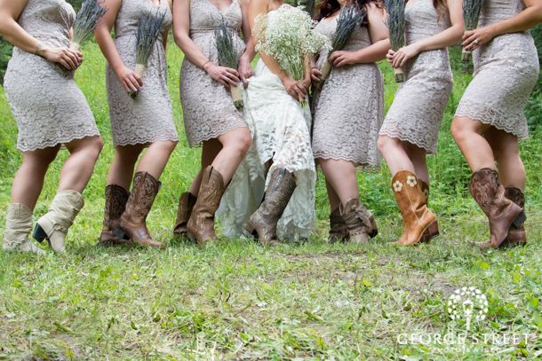 Such a cute bridal party look! | Bridal Party | Pinterest | Bridal parties, Videography and Weddings