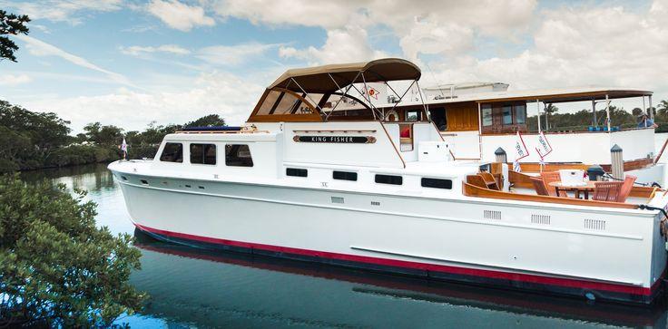 Yacht KINGFISHER 50' Huckins 1959 Corinthian... at the