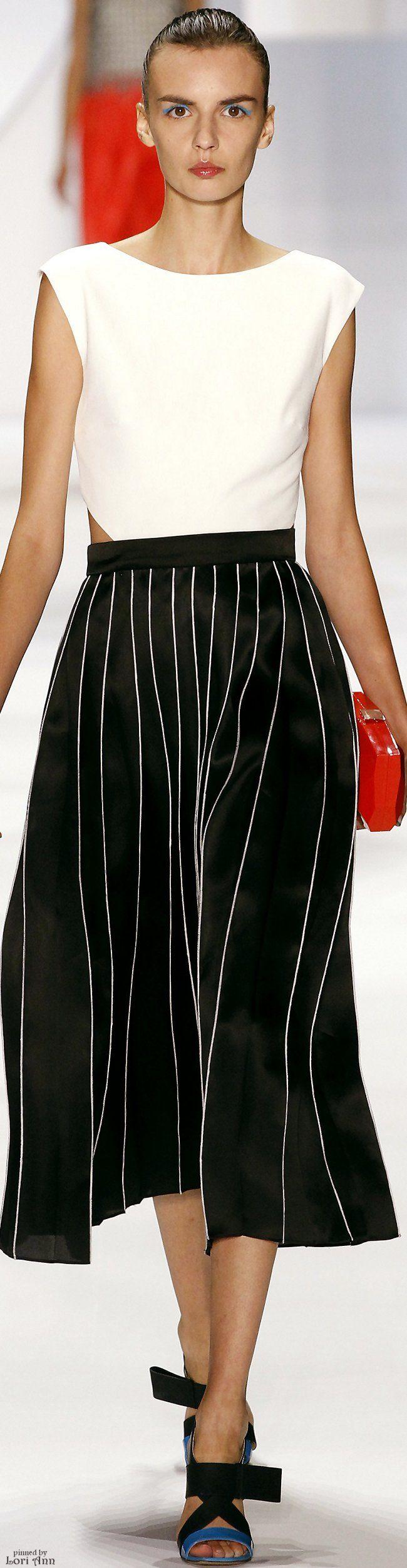 Monique Lhuillier Spring 2016 Rtw Perfect Sleek Ponytail