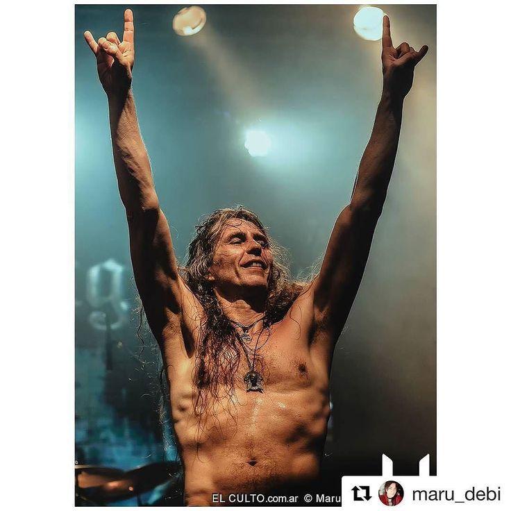 #Repost @maru_debi with @repostapp  Mitad de semana ohhh yeahhh!  Axel Ritt - Grave Digger 01.04.2017 Buenos Aires -Argentina . Cobertura para @elculto.com.ar . Gracias @nwm_productions @gabysisti . #axelritt #gravediggerband #germany #vorterix #gravediggerclan #photography #htbarp #audioloveofficial #gigphotography #concertphotographer #liveconcertphotography #musicphotography #musiclike #instalive #igersbsas #igersargentina #igers #metal #photooftheday #picofday #justgoshoot #buenosaires…