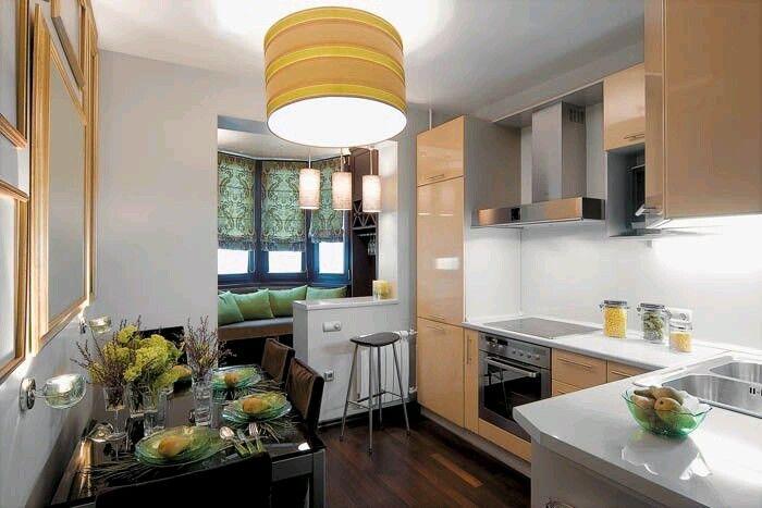 Кухня. Кофейный диванчик на балконе