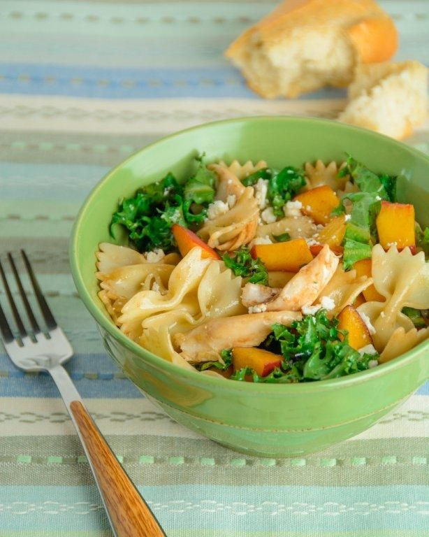 Throw together a tasty meal in 20 minutes with a few simple ingredients! This chicken pasta recipe is sweet, creamy, and perfect for dinner or lunch.