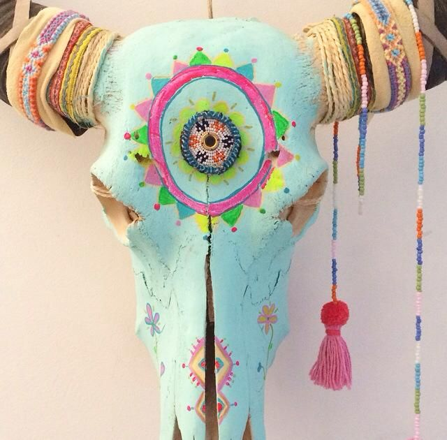 Creatief? Pimp dan zelf een waterbuffel in Ibiza style. Neutrale waterbuffels verkrijgbaar bij www.thefinch.nl Foto | Chica Bonita