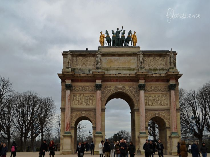 The Arc de Triomphe du Carrousel is a triumphal arch in Paris, located in the Place du Carrousel. It was built between 1806 and 1808 to commemorate Napoleon's military victories of the previous year. (c) Floresence