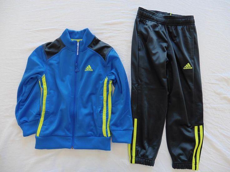 25,00€ · Chándal Adidas · Chándal Adidas de niño. La sudadera es de color azul claro y los pantalones marrón oscuro. · Niños y bebés > Ropa infantil > Ropa de niño (de 2 a 16 años)  > Chándals de niño