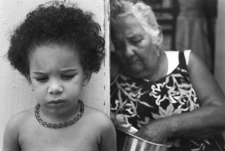 Vieille dame et enfant, Guadeloupe, 1990