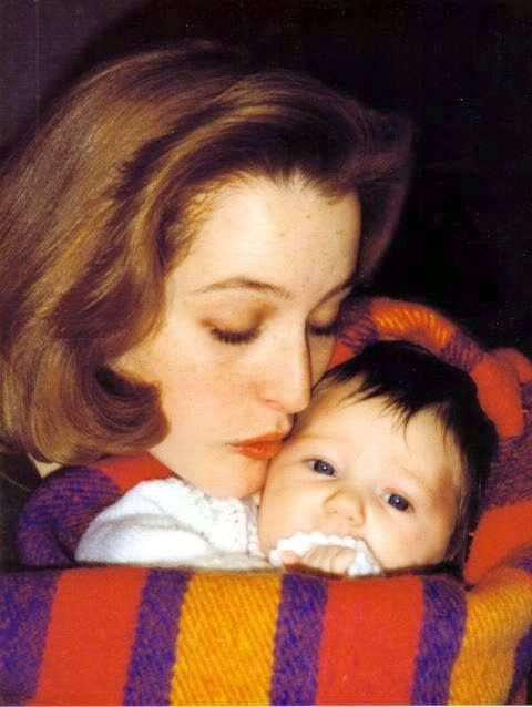 OMG!!!! I'm gonna die from the Cuteness!!! Gillian and Piper <3