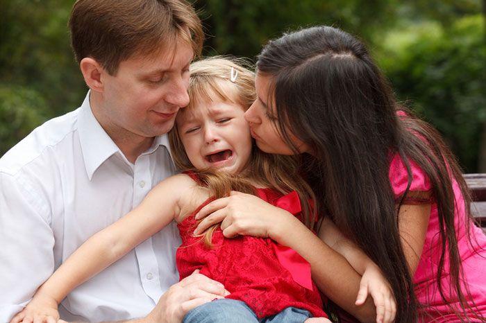 Если ребенок бьет и ругает маму