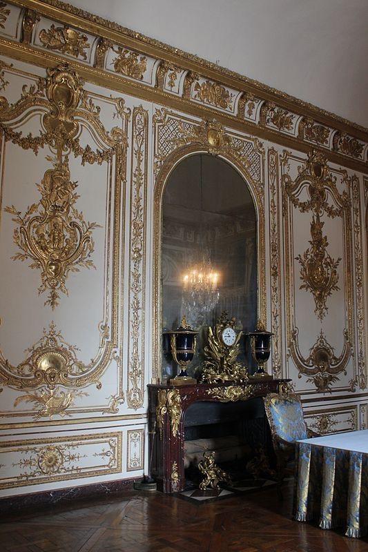 Versailles. Paneling.