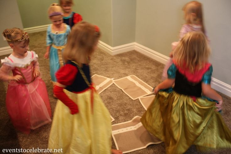Jasmine's Musical Carpets Game - Play this just like musical chairs, but use placemats instead. Have them go around the circle to music from the Aladdin soundtrack.