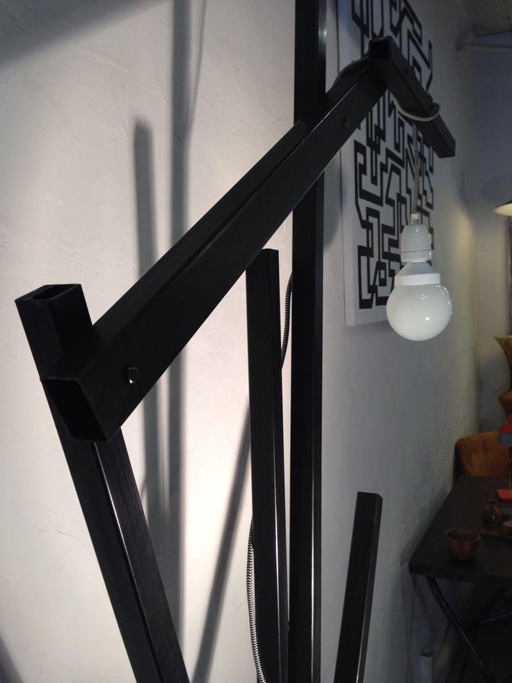 Lampadaire design métal