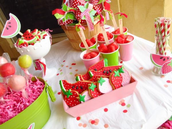 This site is a party idea gold mine! SO many great ideas for all different kinds of parties!Fun Parties, Watermelon Parties, Birthday Parties, Strawberries Parties, Summer Parties, Watermelon Theme, Parties Stuff, Parties Ideas, Party Ideas