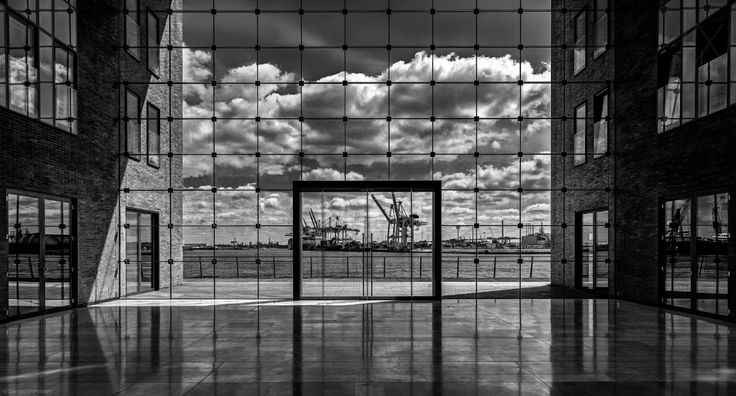 Dennis Mohrmann The gate to the harbor