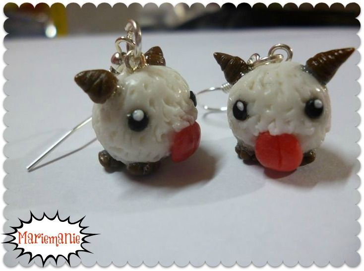 Poro earrings