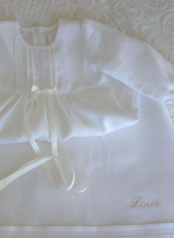Rosettbroderi, dopklänning