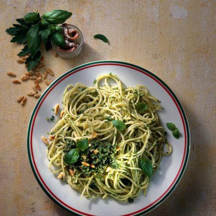Spaghetti mit Salsa verde Rezept | LECKER