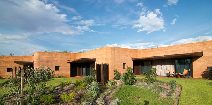 Luigi Rosselli Architects | The Great Wall of WA | rammed earth facade carved out of the hill | © Edward Birch