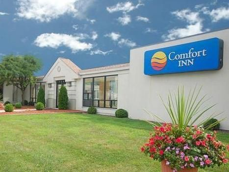 Seekonk (MA) Comfort Inn Seekonk-Providence United States, North America Set in a prime location of Seekonk (MA), Comfort Inn Seekonk-Providence puts everything the city has to offer just outside your doorstep. The hotel offers guests a range of services and amenities designed to provide comfort and convenience. 24-hour front desk, facilities for disabled guests, car park, business center, restaurant are just some of the facilities on offer. Each guestroom is elegantly furnish...