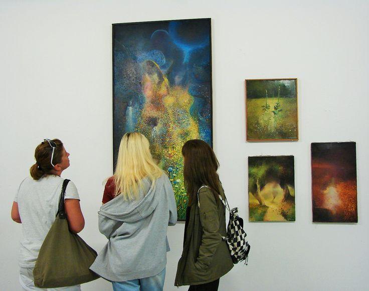 19 września w Warszawie w STREFIE SZTUKI / KONESERA można było obejrzeć interdyscyplinarną wystawę PŁĘĆ CZYSTO PRYWATNA artystów z grupy STAN RZECZYWISTY *nocne spotkania z twórcami... http://artimperium.pl/wiadomosci/pokaz/661,plec-czysto-prywatna-w-strefie-konesera-relacja#.VgUxK8vtmko