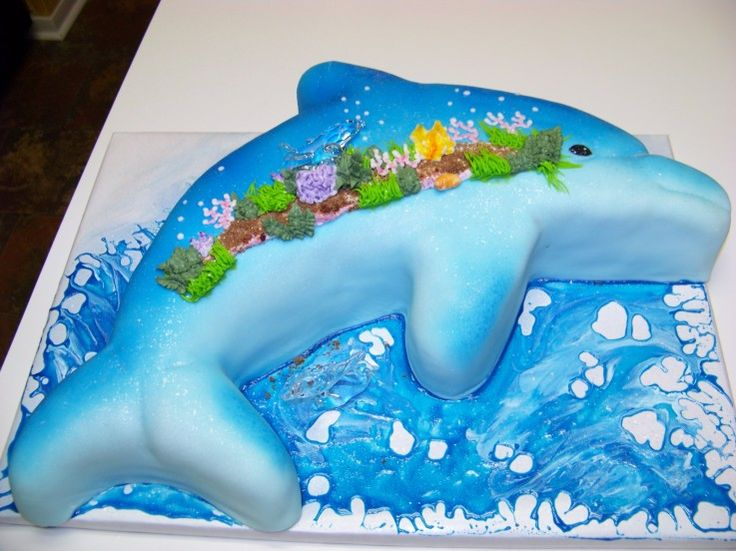 25 best ideas about dolphin cakes on pinterest dolphin cupcakes beach themed cakes and beach. Black Bedroom Furniture Sets. Home Design Ideas