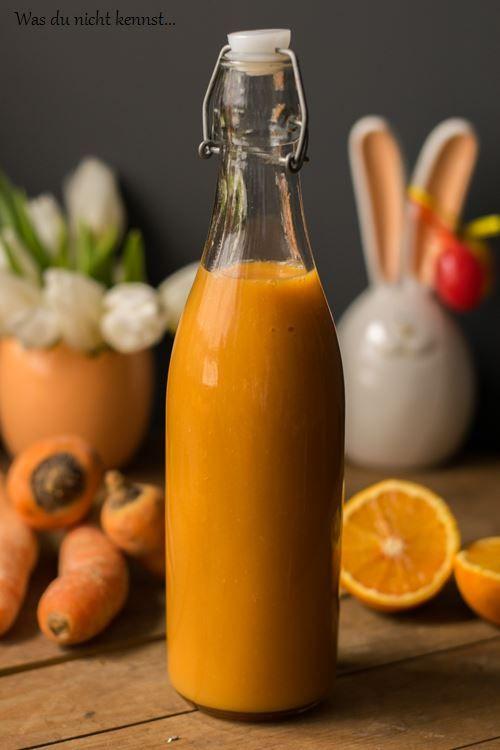 Gesund, lecker und einfach zubereitet ganz ohne Entsafter. Ein ACE Smoothie ist die kleine Vitaminbombe für zwischendurch, die de Alltag bereichert.
