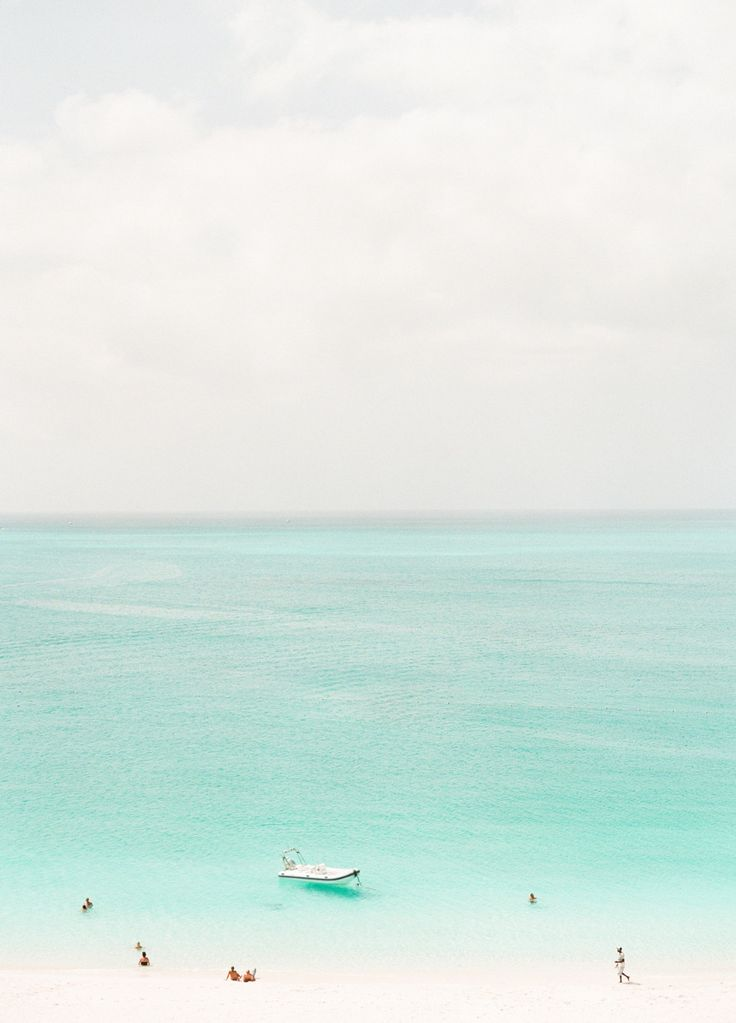 Photography: Lindsay Madden Photography { - www.lindsaymaddenphotography.com  Read More: http://www.stylemepretty.com/destination-weddings/2013/11/04/turks-and-caicos-wedding-weekend-from-lindsay-madden-photography/