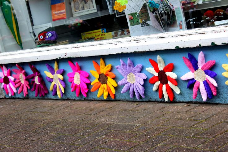 July16, 2014 - Southport explodes into colour to celebrate 50 years of Britain in Bloom Each shop was treated to its own style and theme with a flower theme that prevailed throughout the street.