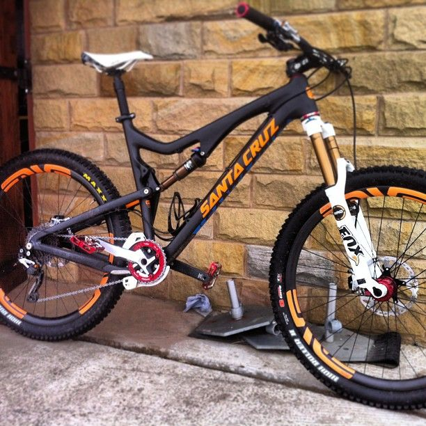 Sir Steve Peat posted up this pic of his new Santa Cruz Bronson that features 27.5-inch wheels. We approve. Read all about the new frame from Santa Cruz here.