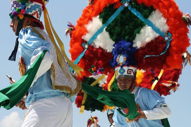 Las danzas más típicas de México: Danza de la Pluma