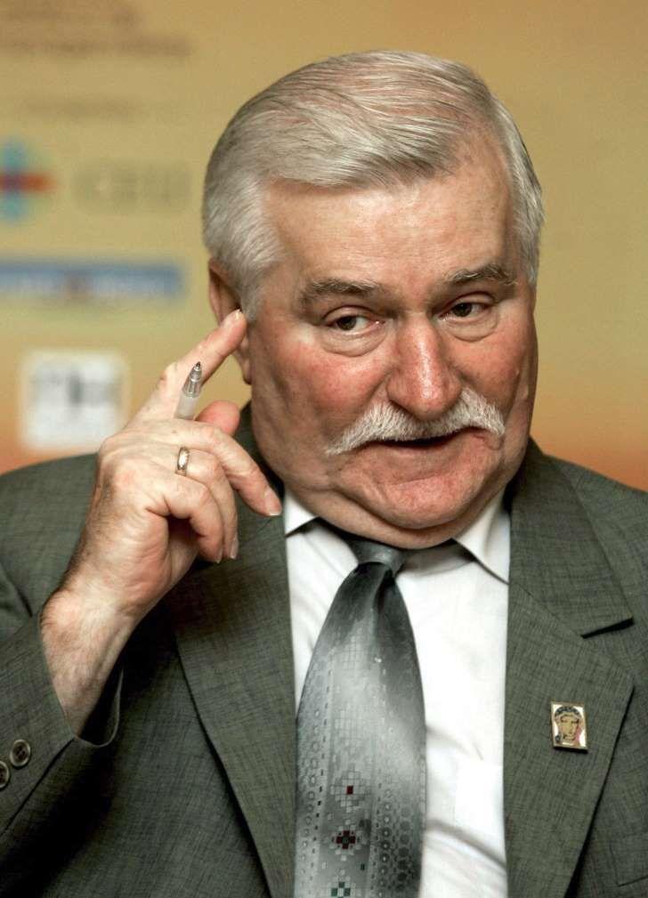 """Wałęsa publikuje zdjęcie z Kaczyńskim. """"Pomogłem mu zrobić karierę, a on mnie wrabia w agenta"""""""