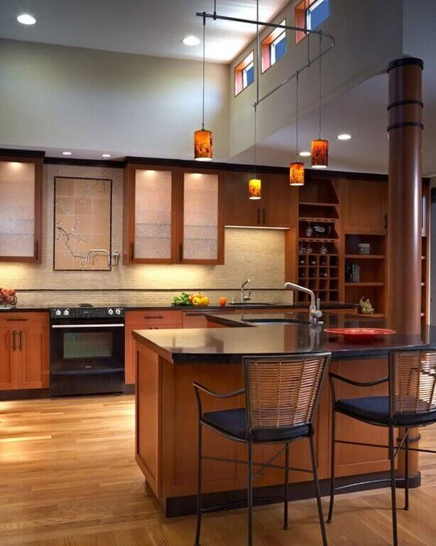 The simplicity in the Asian style kitchen is a very important aspect. Overly complicated elements distract from this kind of design style