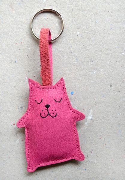 Schlüsselanhänger pinke Katze // Pink cat key chain via DaWanda.com // 9€