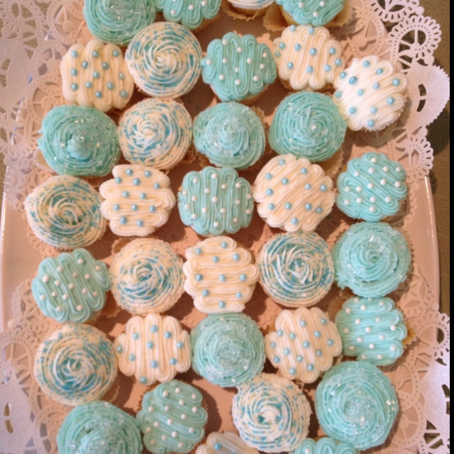 Baby boy shower - mini cupcakes!!