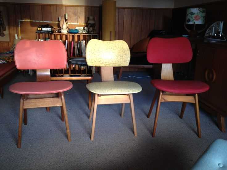 1950s TH Brown Dining Chairs (left U0026 Centre) And Fler Formline Dining Chair  (