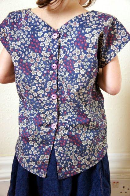 TROP-TOP Version B, patron de couture Ivanne.S, by Les petites canettesLes petites canettes: Petits tops Trop Top