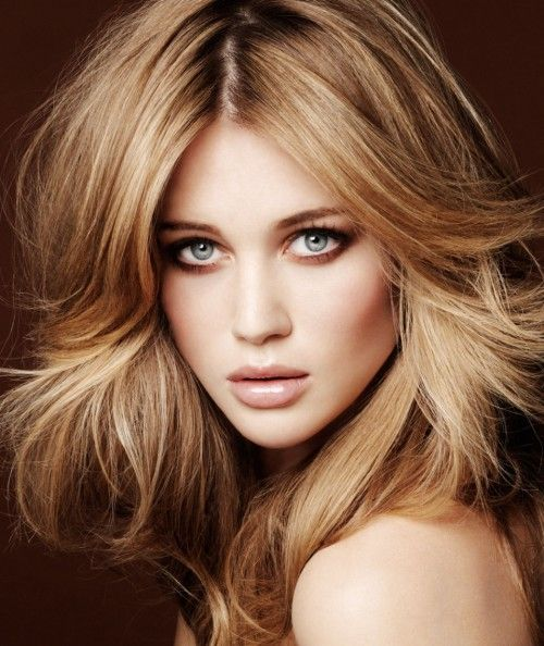 Brunette:  Brunette hair color looks great with heavy caramel highlights. Besides, deep red highlights can add shimmer to your hair, particularly in case of coppery or auburn brown locks. - I absolutely love this color!