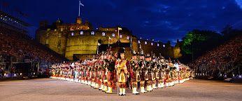 Military Tattoo vor Edinburgh Castle im August