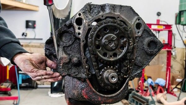 Chevrolet Small-Block V8 Engine Rebuild Time-lapse