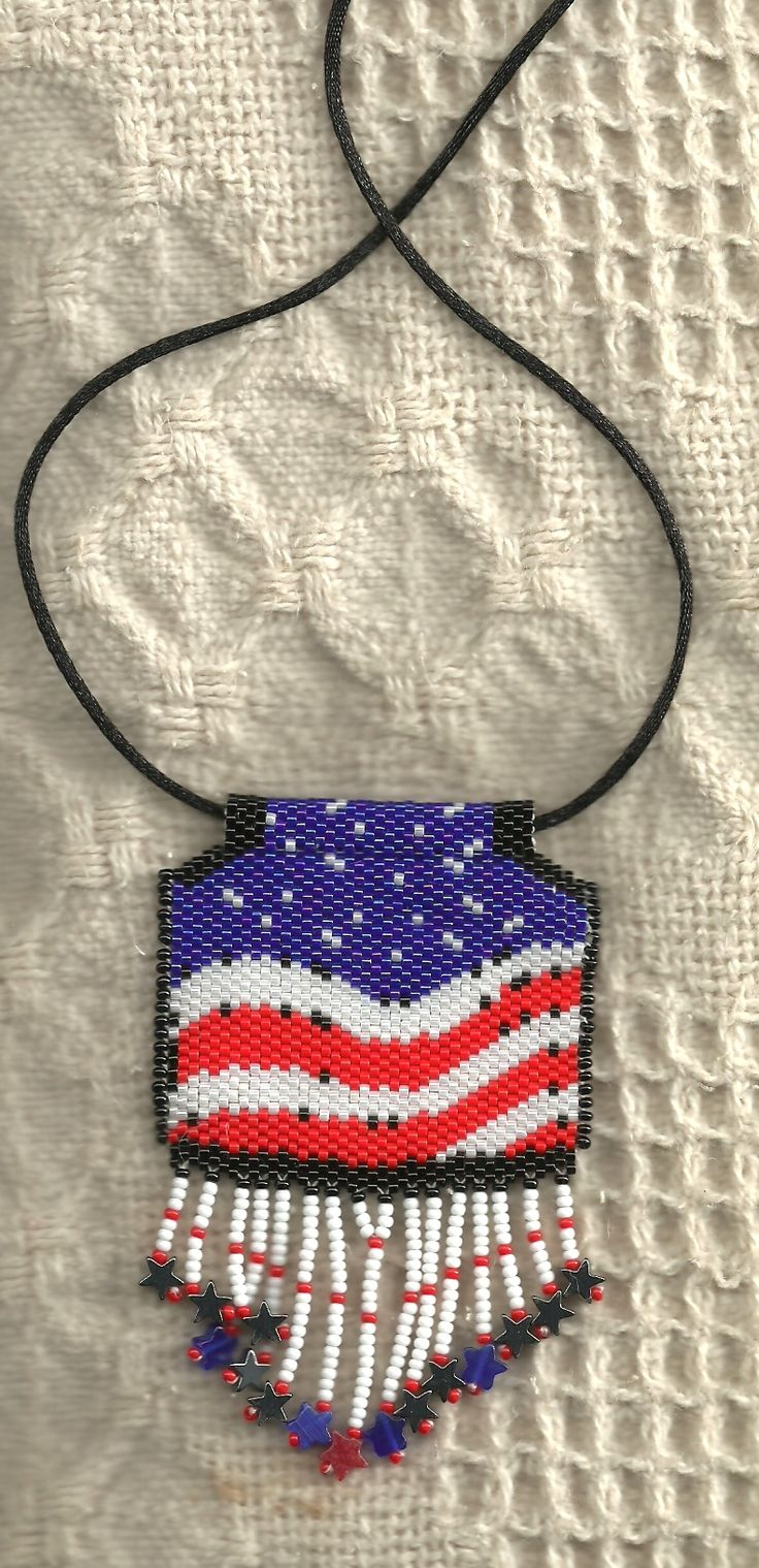Peyote beaded red white and blue patriotic flag necklace for Patriotic beaded jewelry patterns