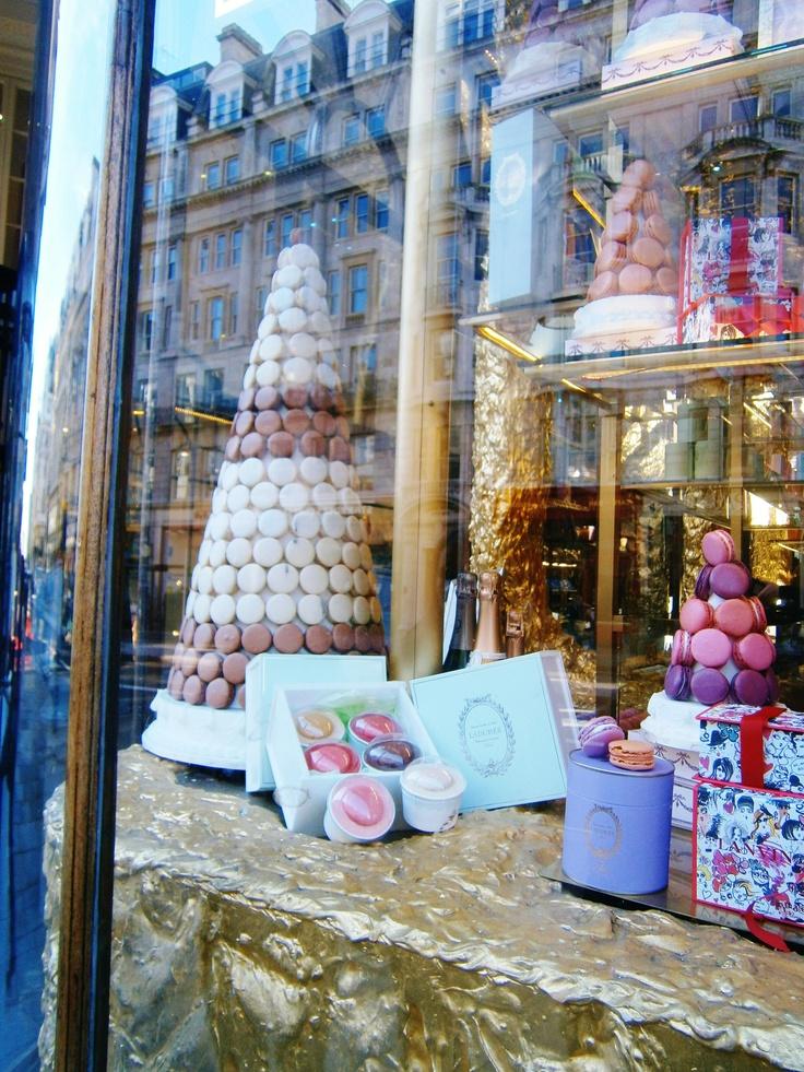 1000 images about laduree windows on pinterest for Laduree christmas