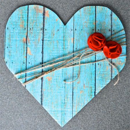 A Happy Song: Faux Wood Heart...seriously? this looks wooden!