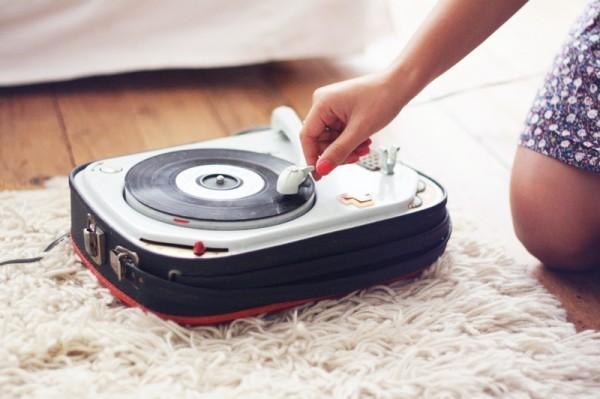 >> music