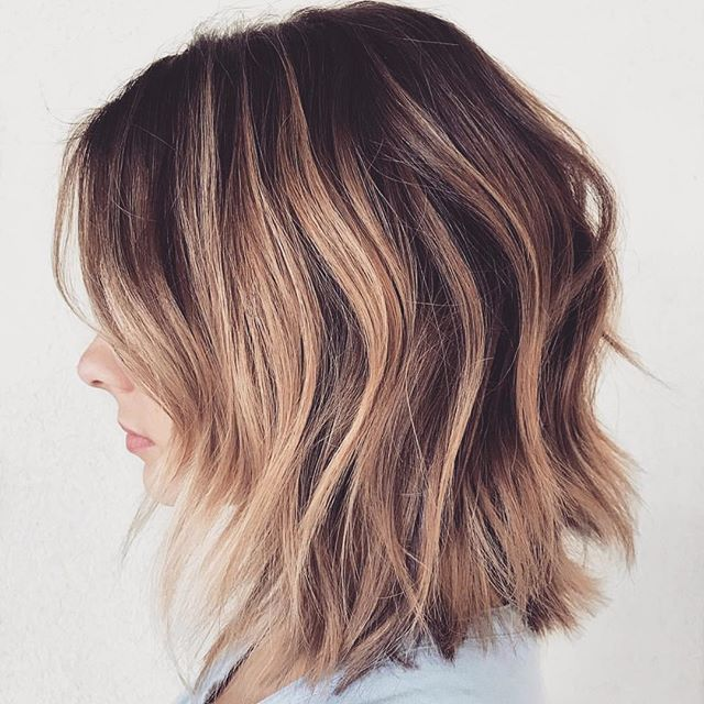 Ooh La La Hair Change Up For The Holidays Anyone Loving Kellymassiashair S Textured Bob Here Short Hairstyles For Women Hair Journey Short Hair Styles