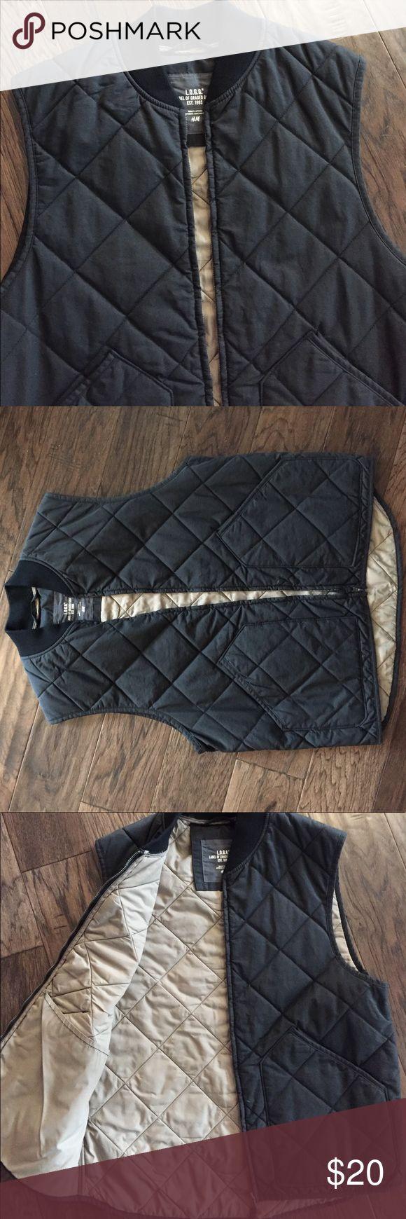 NWOT Men's H&M Vest Men's black quilted vest. New without tags. Size Medium H&M Jackets & Coats Vests