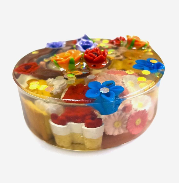 Resin Crafts: Paperweight With EasyCast Resin and Miniatures