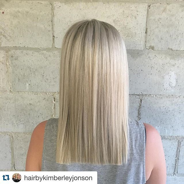 ✨✨Just another day in the office for Rocaverde #Repost @hairbykimberleyjonson with @repostapp. ・・・ Amazing blonde @rocaverde #rocaverde #blonde #sunshinecoast #blunt #hair #photoftheday #olaplex #delorenzohaircare