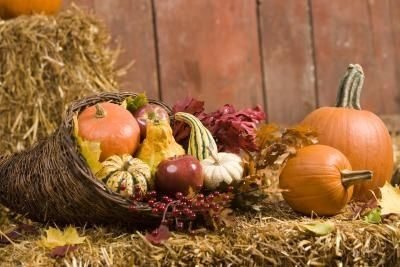 Outdoor Fall Decorations | Outdoor Fall Display Ideas | eHow.com