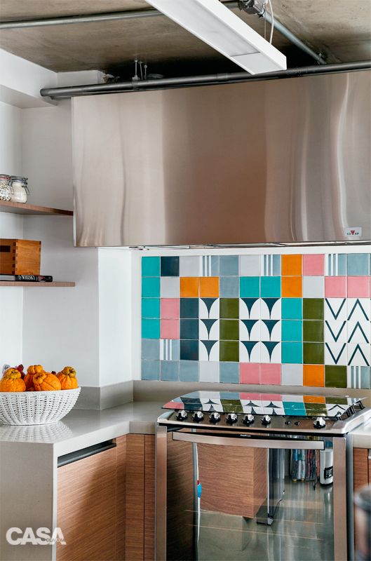 patterned tiles, feature backsplash / Sao Paulo